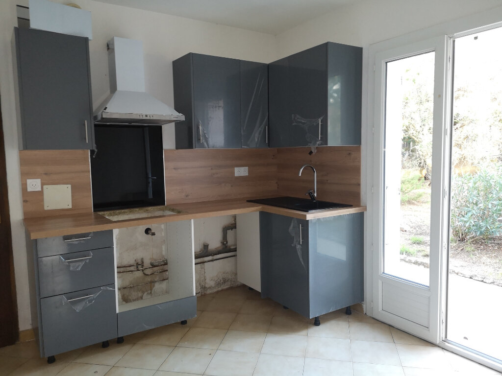 Appartement à louer 2 55m2 à Rochefort-du-Gard vignette-5