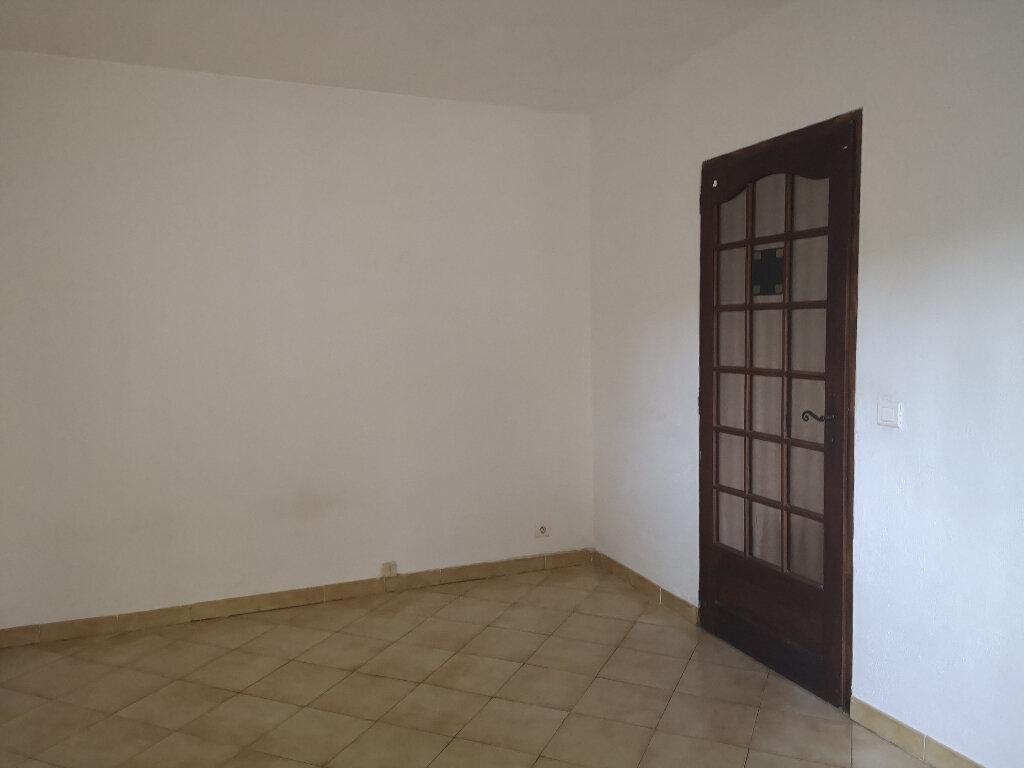 Appartement à louer 2 55m2 à Rochefort-du-Gard vignette-6