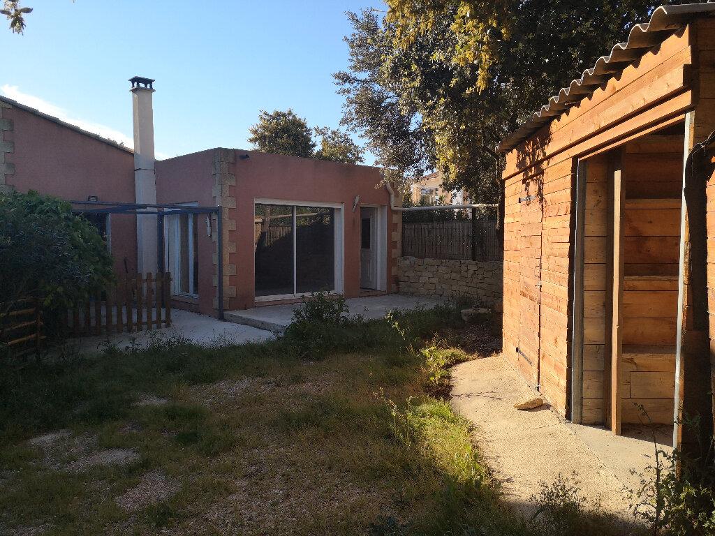 Maison à louer 3 75m2 à Vers-Pont-du-Gard vignette-5