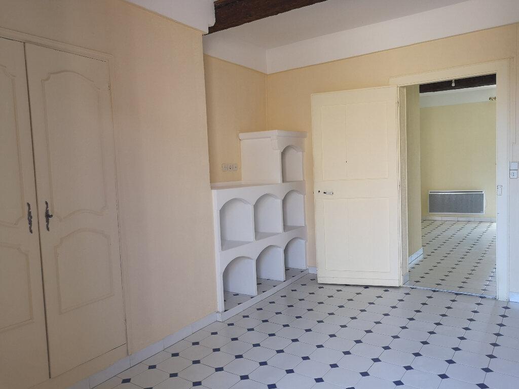 Appartement à louer 3 70m2 à Remoulins vignette-6