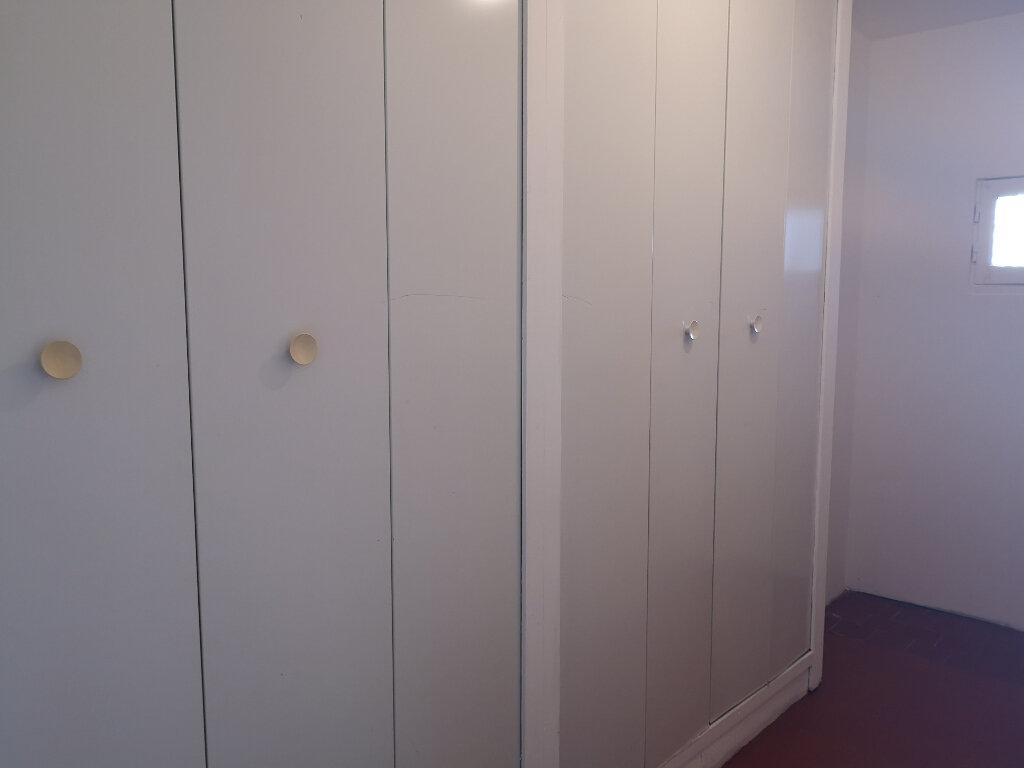 Appartement à louer 3 70m2 à Remoulins vignette-7
