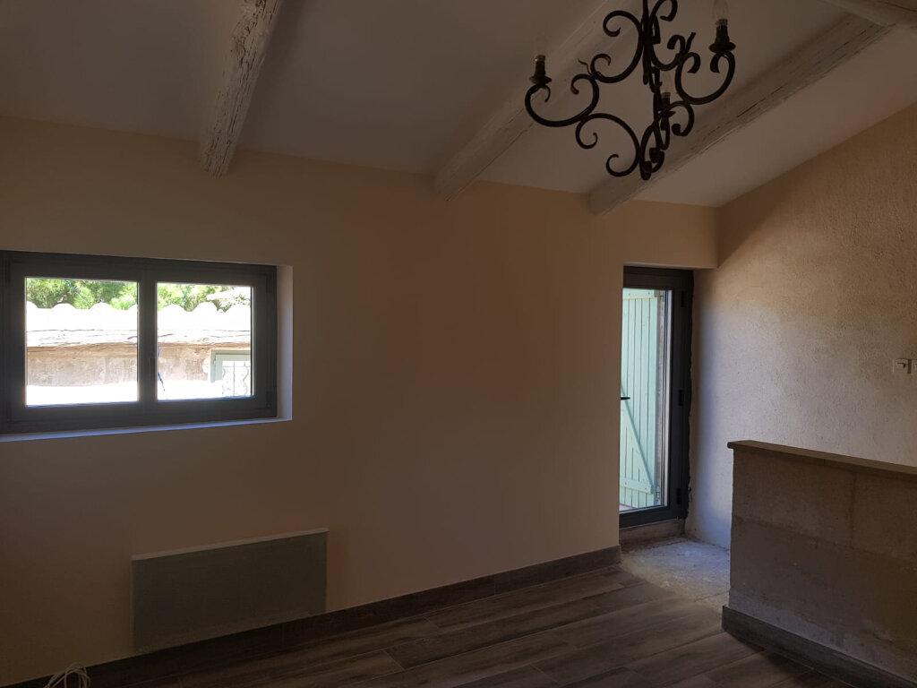 Maison à louer 3 62m2 à Saint-Hilaire-d'Ozilhan vignette-6
