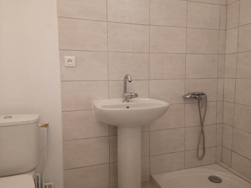 Appartement à louer 2 38m2 à Cabrières vignette-8