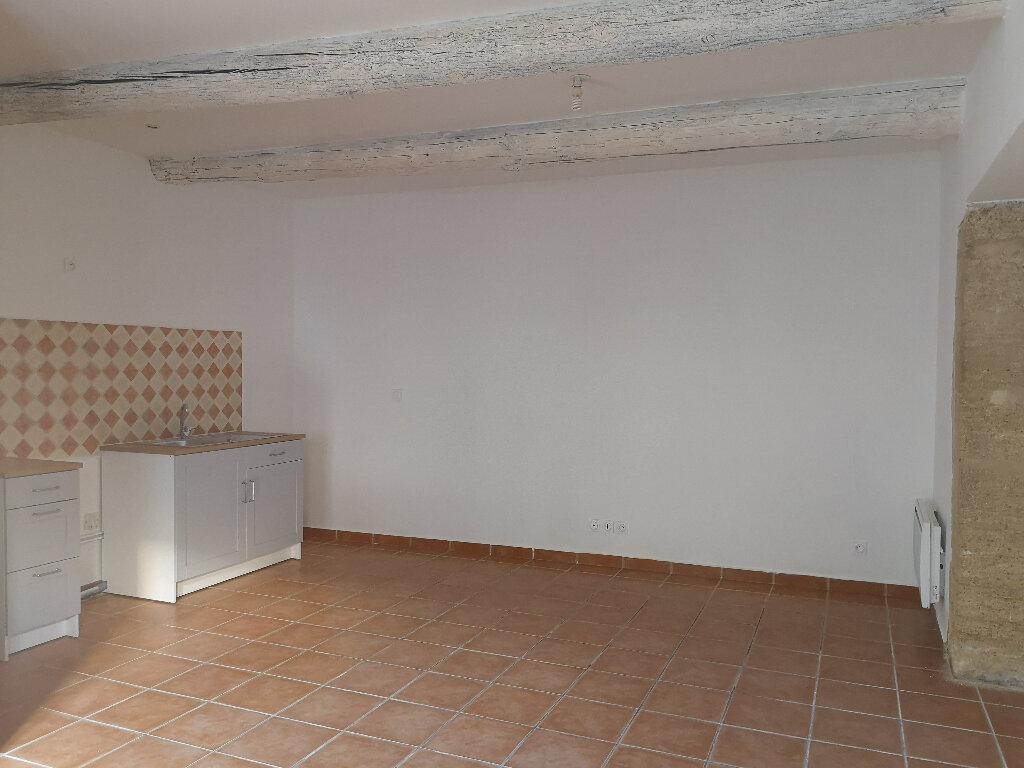 Appartement à louer 1 30m2 à Remoulins vignette-1