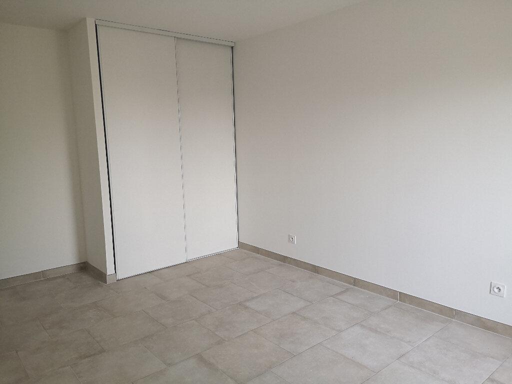 Maison à louer 5 94m2 à Meynes vignette-5
