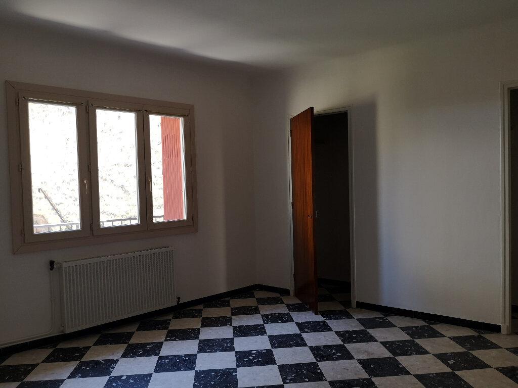 Appartement à louer 3 85m2 à Remoulins vignette-6