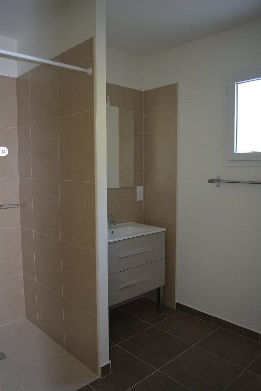 Appartement à louer 4 80m2 à Saint-Hilaire-d'Ozilhan vignette-7