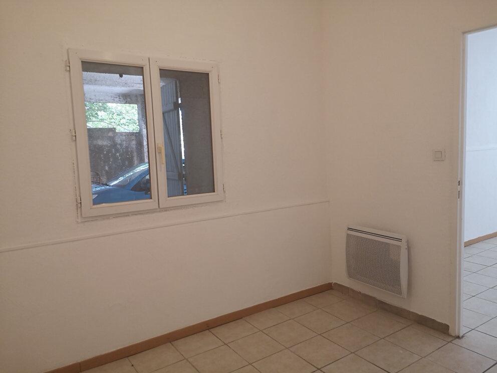 Appartement à louer 2 26m2 à Estézargues vignette-3
