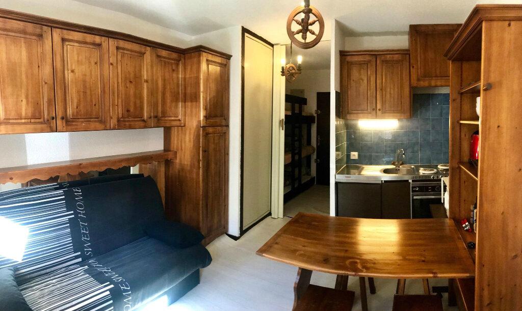Appartement à louer 1 19m2 à Saint-Jeoire vignette-2