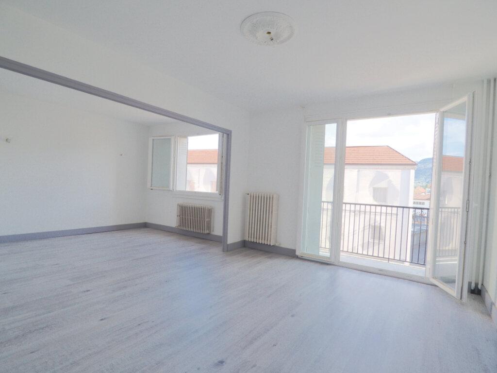Appartement à louer 3 68.72m2 à La Roche-sur-Foron vignette-1