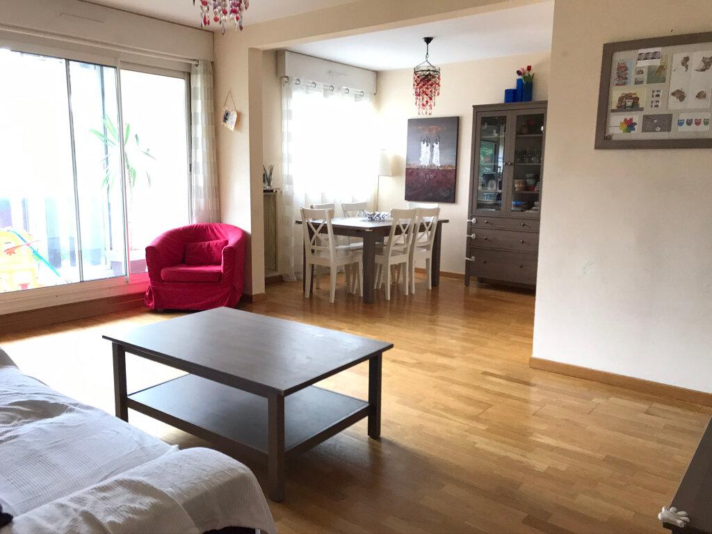 Appartement à louer 4 93.19m2 à Annecy vignette-1