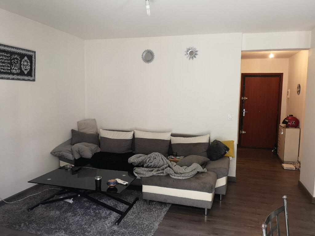 Appartement à louer 2 51.24m2 à Saint-Laurent-du-Var vignette-3