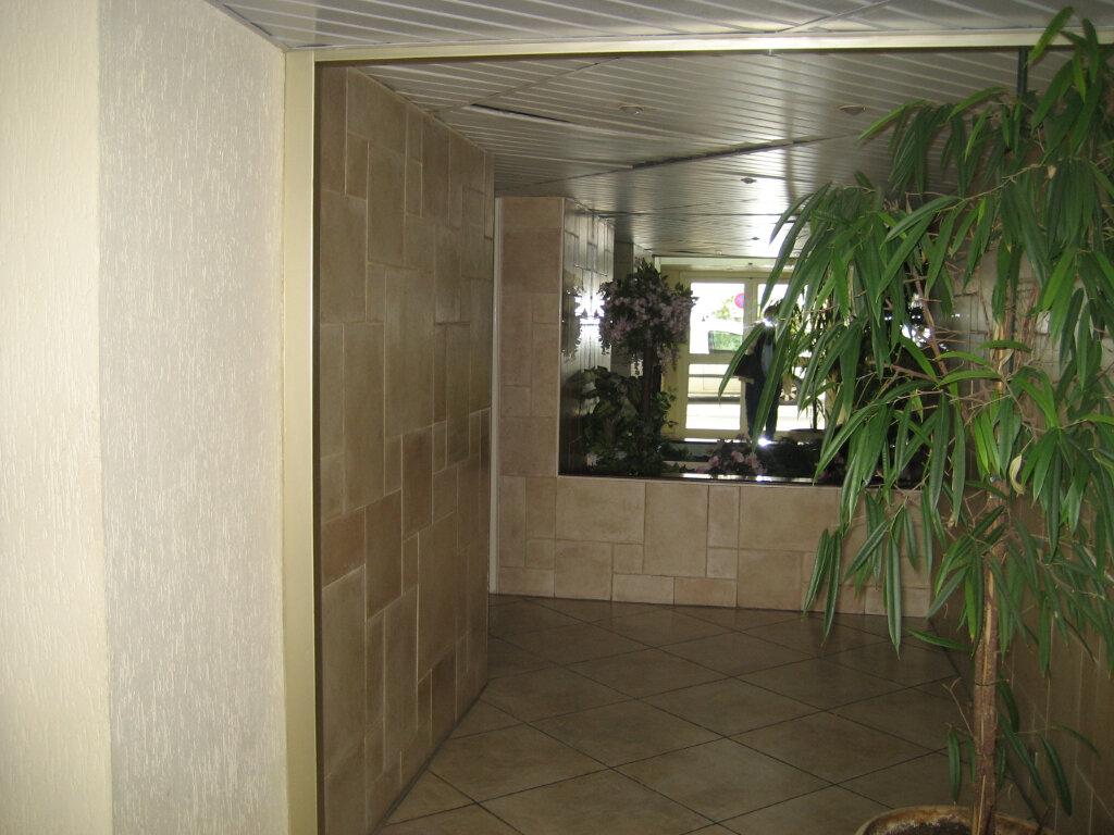 Appartement à louer 3 63.55m2 à Saint-Laurent-du-Var vignette-10