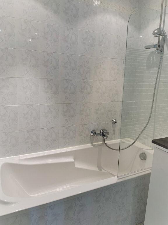 Appartement à louer 2 38m2 à Saint-Laurent-du-Var vignette-8
