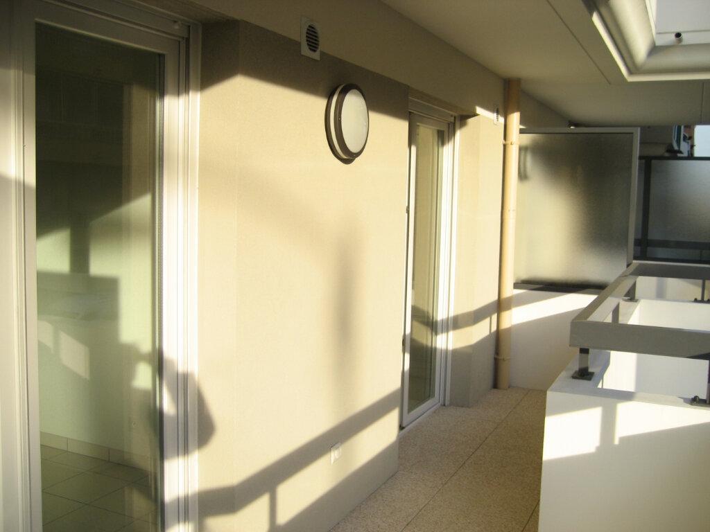 Appartement à louer 2 41.69m2 à Saint-Laurent-du-Var vignette-2