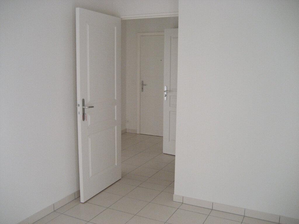 Appartement à louer 2 41.69m2 à Saint-Laurent-du-Var vignette-4