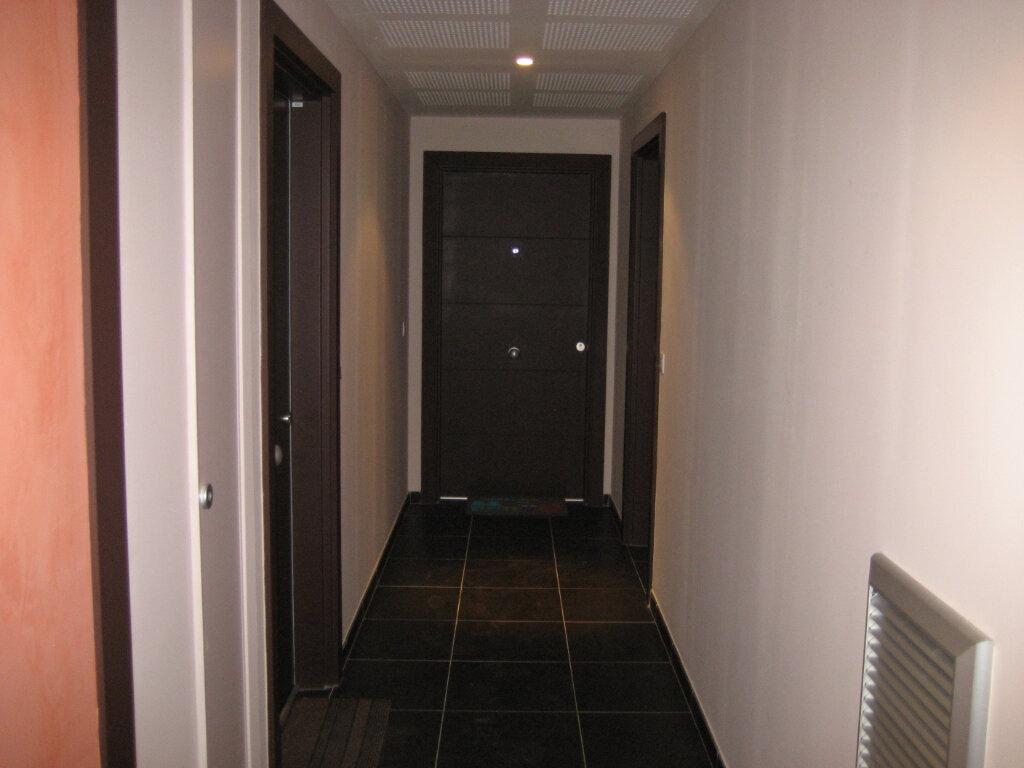 Appartement à louer 2 41.69m2 à Saint-Laurent-du-Var vignette-8
