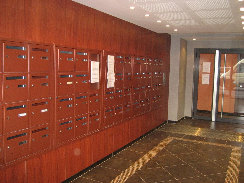 Appartement à louer 2 41.69m2 à Saint-Laurent-du-Var vignette-9