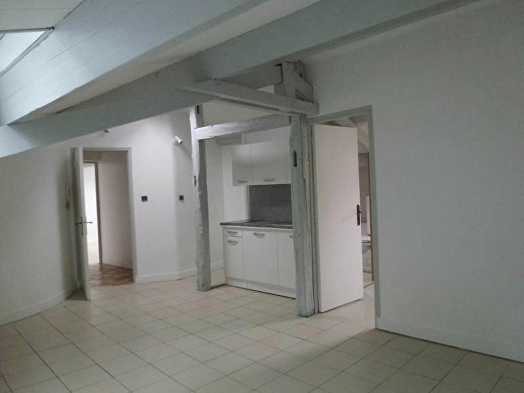 Appartement à louer 3 70m2 à Périgueux vignette-1