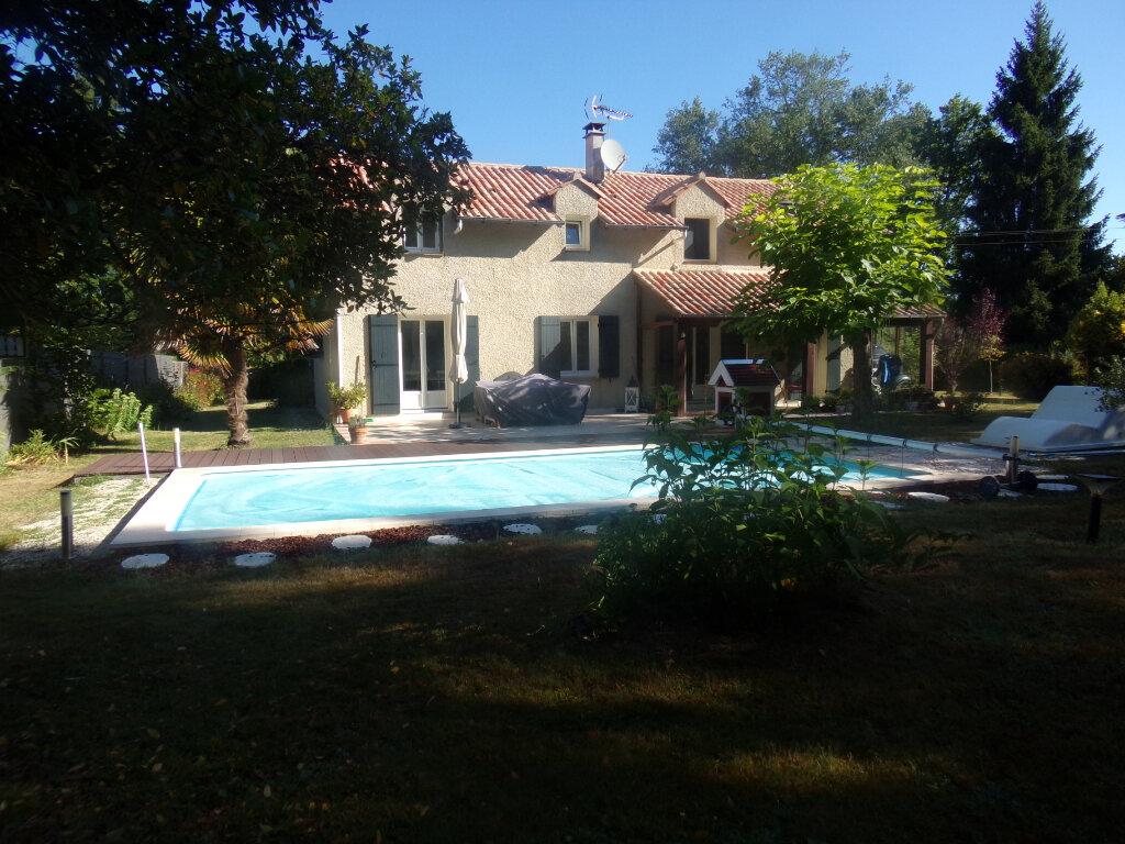 Maison à vendre 6 145m2 à Château-l'Évêque vignette-1