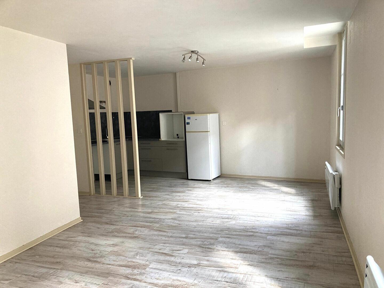 Appartement à louer 3 54m2 à Périgueux vignette-1