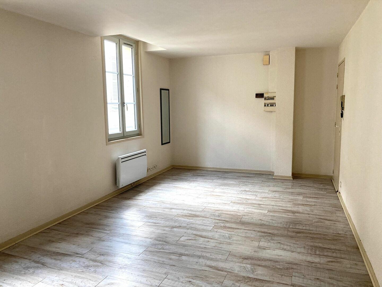 Appartement à louer 3 54m2 à Périgueux vignette-3