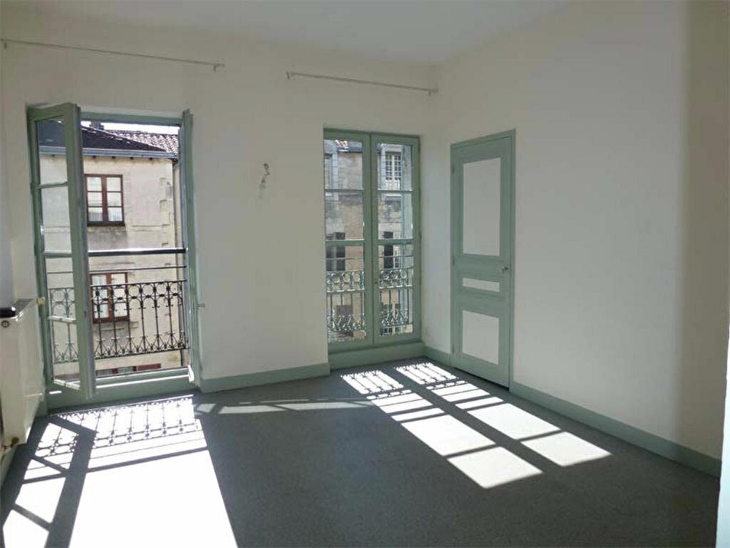 Appartement à louer 2 42.76m2 à Périgueux vignette-1