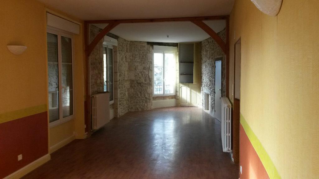 Appartement à louer 5 157m2 à Agonac vignette-3