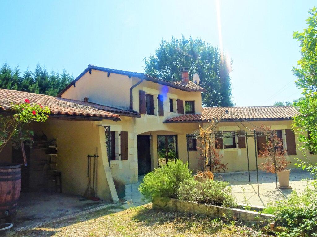 Maison à vendre 6 113m2 à La Chapelle-Gonaguet vignette-1