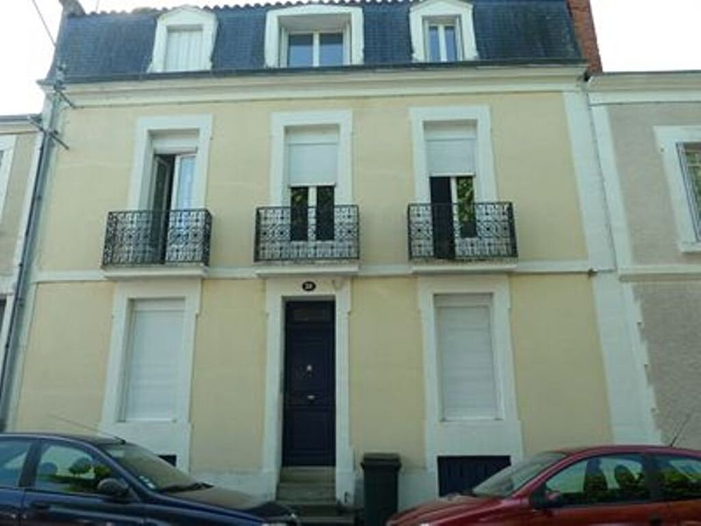 Appartement à louer 2 35m2 à Périgueux vignette-1