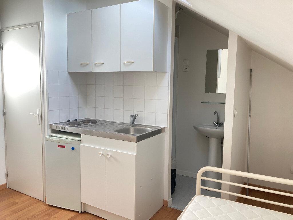 Appartement à louer 1 11m2 à Périgueux vignette-2