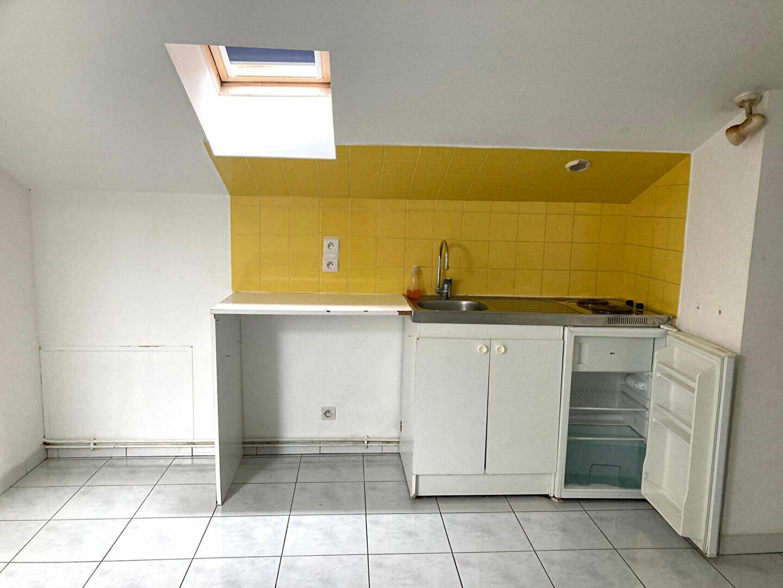 Appartement à louer 1 12m2 à Périgueux vignette-3
