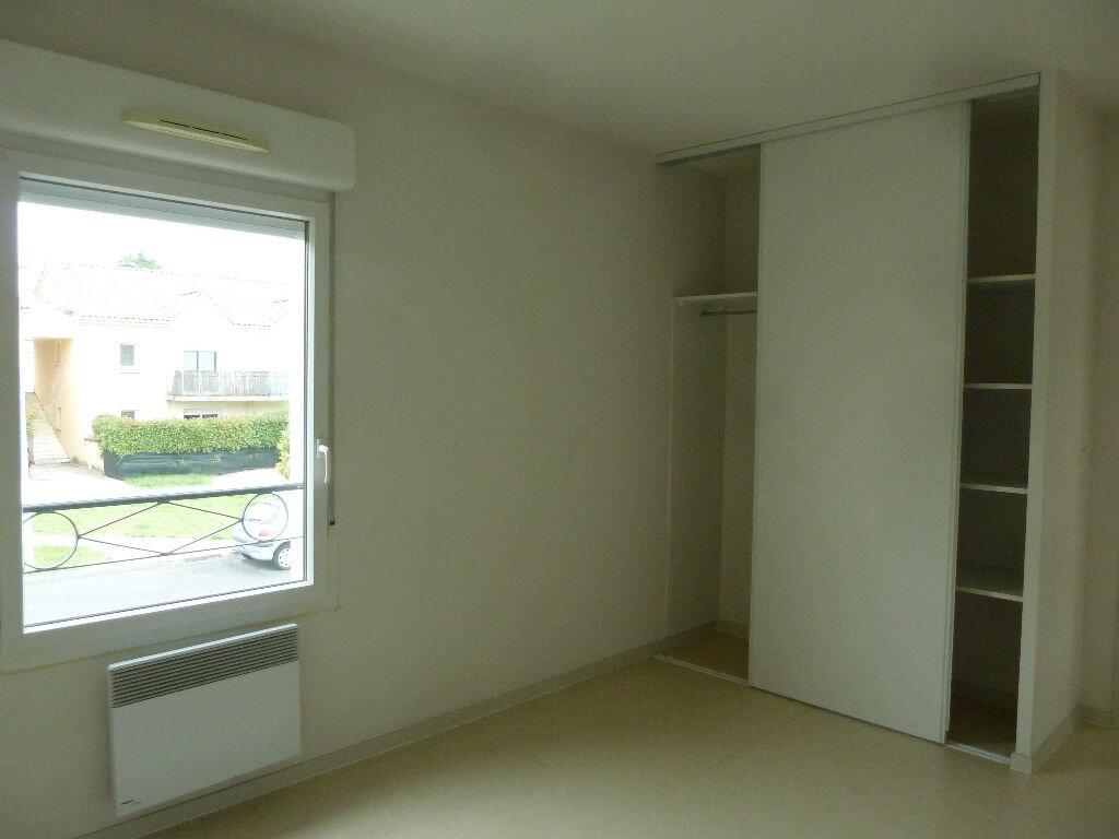 Appartement à louer 3 65.78m2 à Champcevinel vignette-4