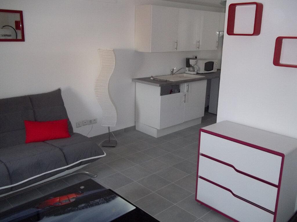 Appartement à louer 1 22.44m2 à Périgueux vignette-1