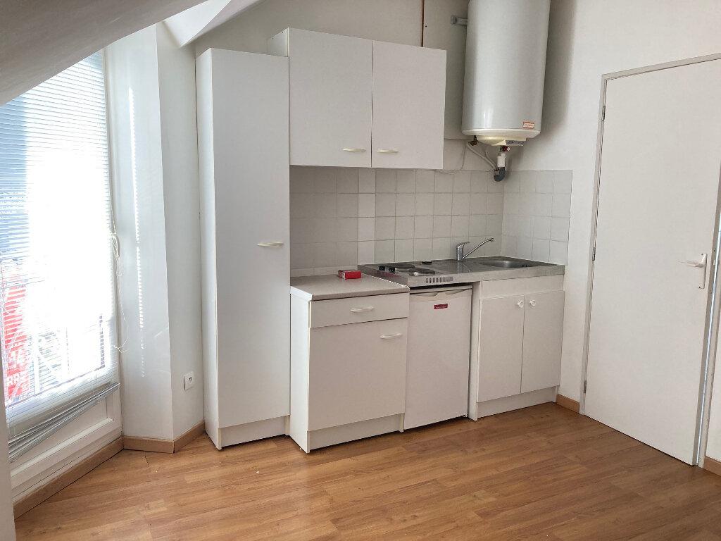 Appartement à louer 1 12.64m2 à Périgueux vignette-2