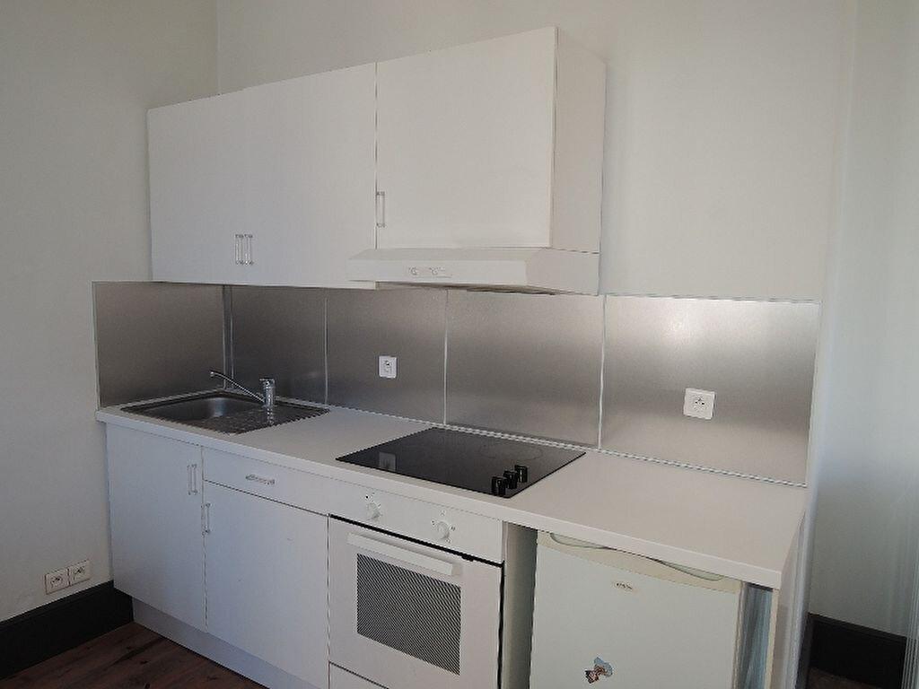 Appartement à louer 2 41.09m2 à Périgueux vignette-3