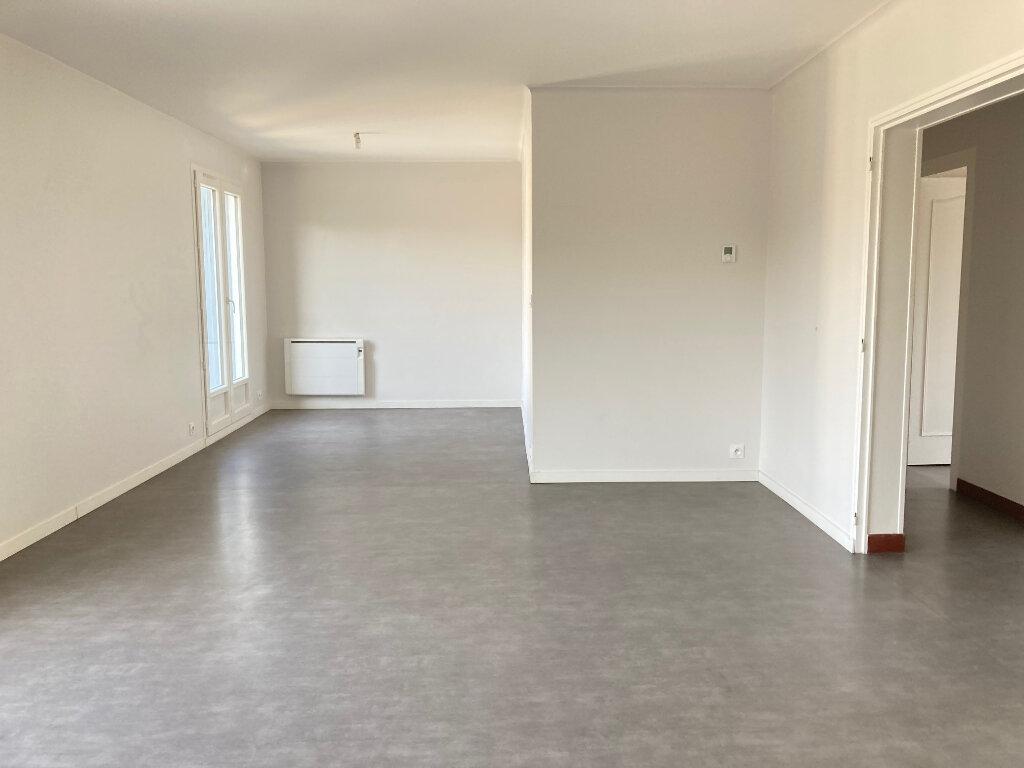 Appartement à louer 3 70.95m2 à Périgueux vignette-1