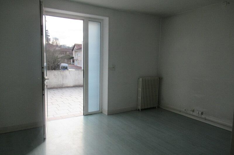 Appartement à louer 5 110m2 à Coulounieix-Chamiers vignette-1