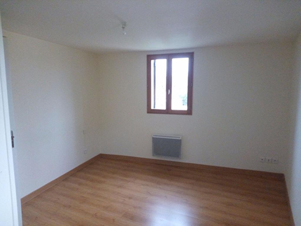 Maison à louer 4 80m2 à Escoire vignette-5