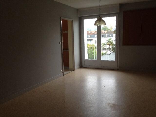 Appartement à louer 3 65.32m2 à Périgueux vignette-1