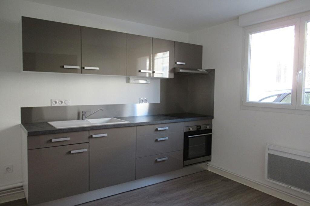 Appartement à louer 2 37.75m2 à Périgueux vignette-1