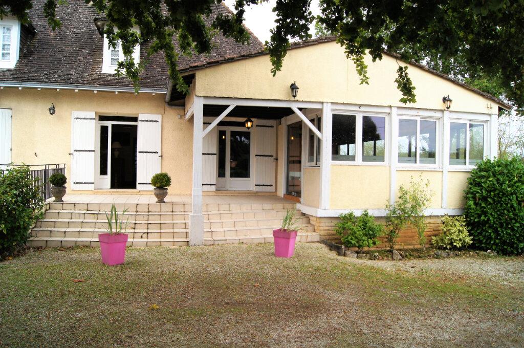 Maison à vendre 15 442m2 à Notre-Dame-de-Sanilhac vignette-2