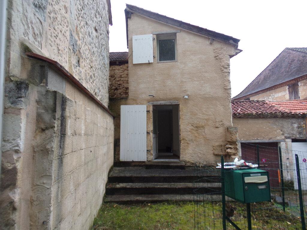 Maison à vendre 4 110m2 à Agonac vignette-1