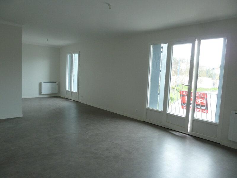 Appartement à louer 3 70.95m2 à Périgueux vignette-2