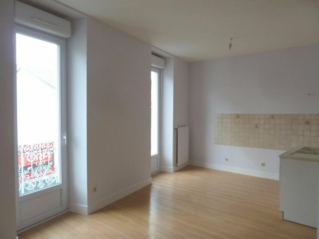 Appartement à louer 3 45m2 à Périgueux vignette-3