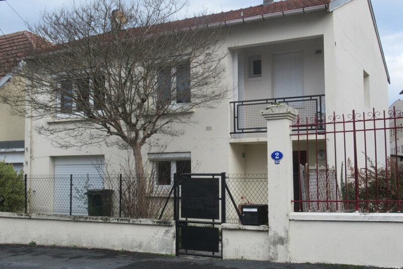 Maison à louer 5 110m2 à Périgueux vignette-1