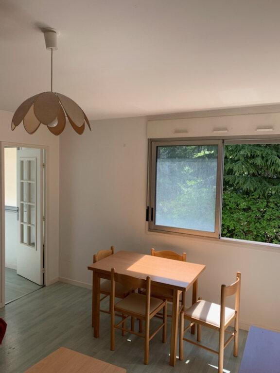 Appartement à louer 1 28m2 à Périgueux vignette-1