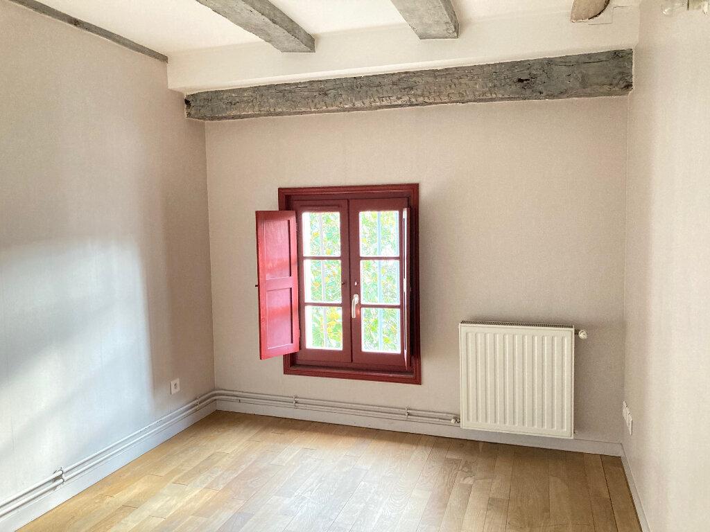 Appartement à louer 4 71m2 à Périgueux vignette-5