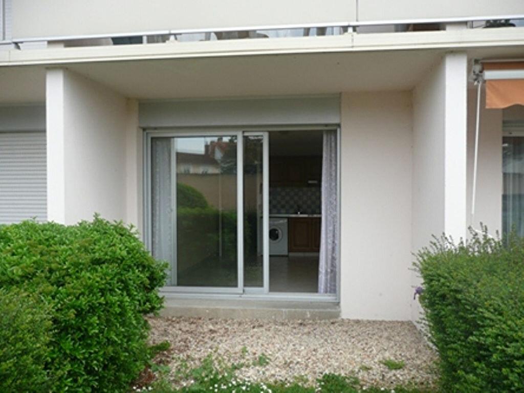 Appartement à louer 1 23m2 à Périgueux vignette-2