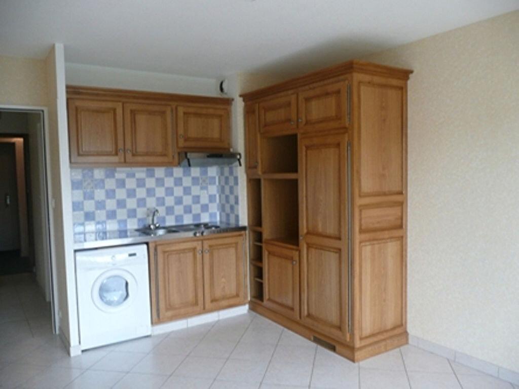 Appartement à louer 1 23m2 à Périgueux vignette-3